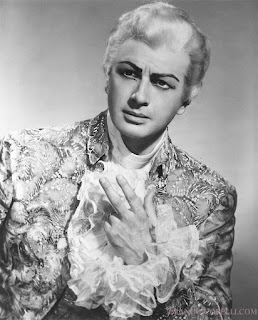 Franco Corelli as he appeared in the title role in Umberto Giordano's Andrea Chénier