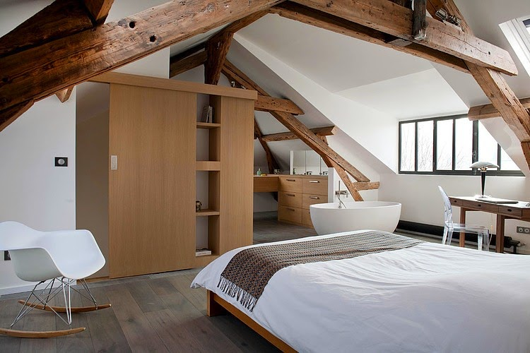 Dormitor i baie la mansard Jurnal de design interior