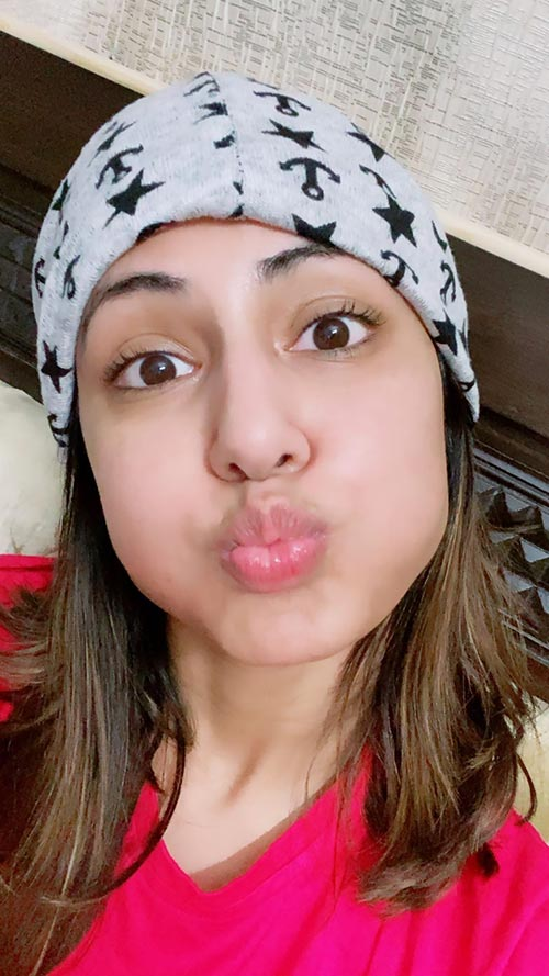 See these cute and funny photos of Hina Khan. Navel Queens