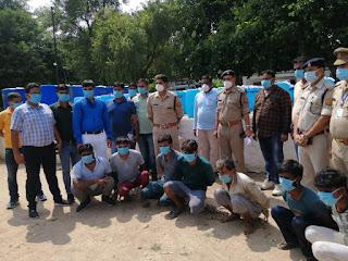 थाना कुठौंद पुलिस एवं SOG व सर्विलांश सेल की संयुक्त टीम द्वारा 7 शातिर अन्तर्राज्यीय शराब तस्करों को गिरफ्तार किया
