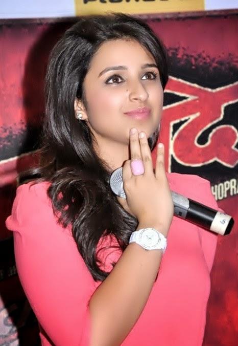 Cute Girl Indian Wallpaper Parineeti Chopra Hot Wallpaper And Latest Hot Scenes