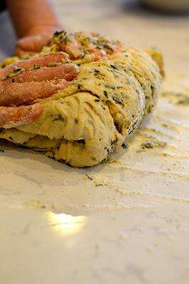 how-to-make-focaccia-bread
