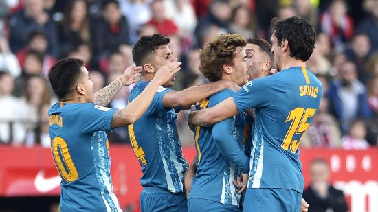 Antonio Griezmann Celebrates with  Atletico Madrid teammates