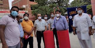 लायंस क्लब शाहगंज ने कोविड रोगियों को दिया योगा मैट   #NayaSaberaNetwork
