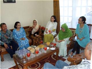 Neundeun Omong dan Narosan dalam Tata Cara Pernikahan Adat Sunda