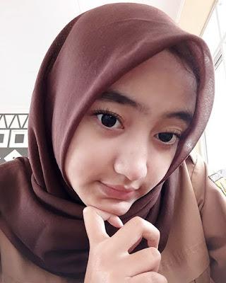 Selfie Siswi SMA Cantik cewek manis