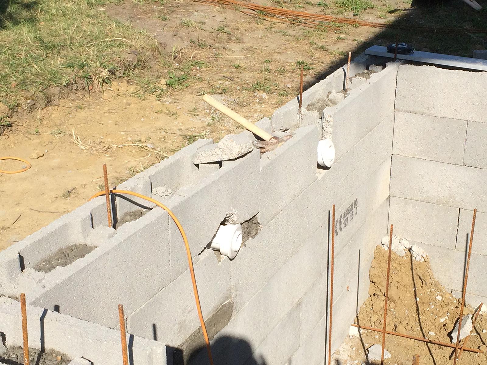 Construction d39une petite piscine en bton quipe spa