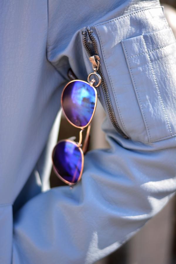 sunglasses in der tasche reißverschluss