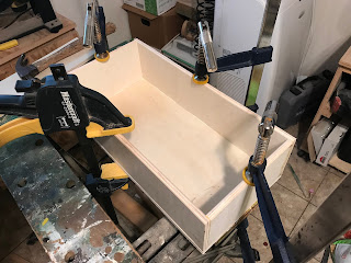 Drawer sides glues to the drawer bottom