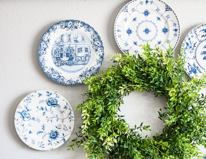 blue and white vintage plate wreath