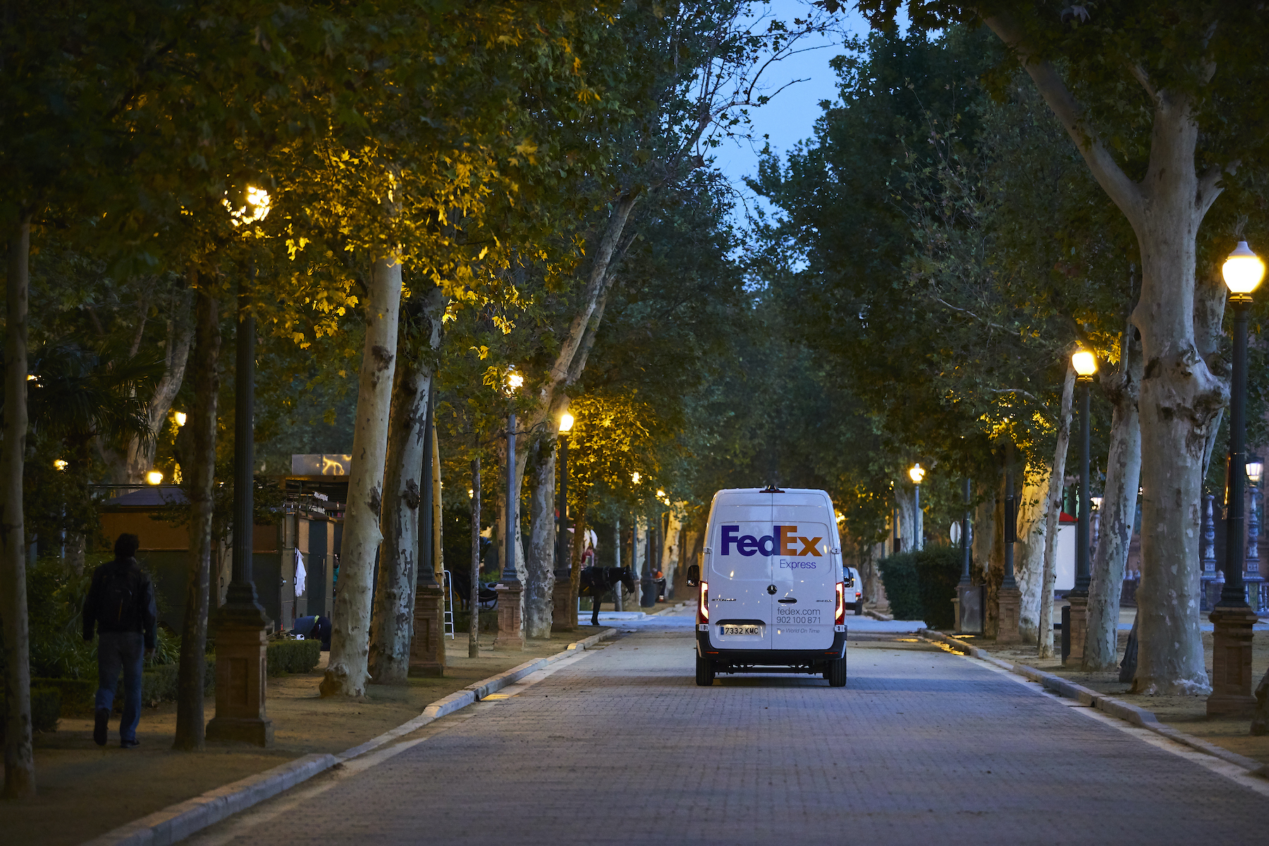 FedEx plans to go Carbon-Neutral by 2040