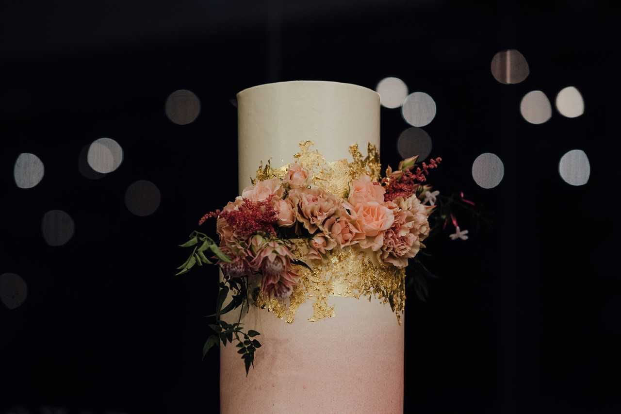 sunshine coast wedding cake designer florin lane photography cake desserts