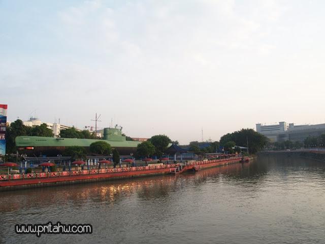 Travelling hemat Surabaya