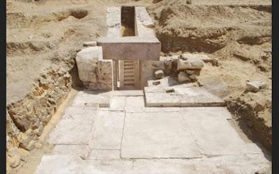 Aίγυπτος: Ανακάλυψαν πυραμίδα 3.700 ετών στη νεκρόπολη του Νταχσούρ