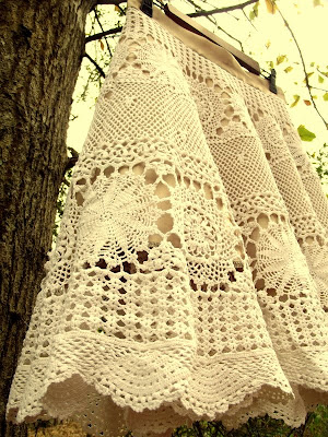 Creative and Cool Reuse of Tablecloth (15) 1