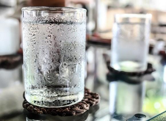 Bahaya Sering Minum Es Bagi Kesehatan