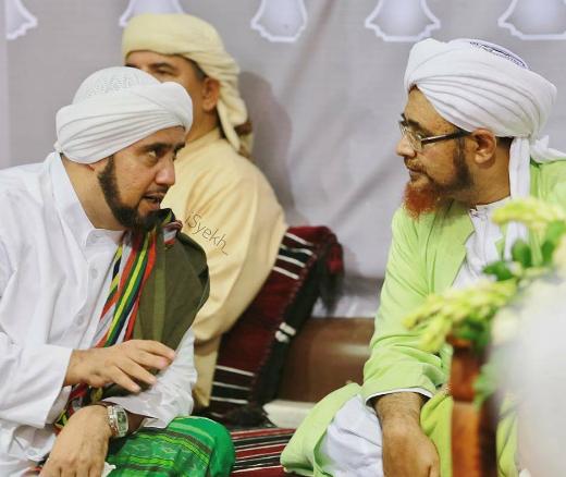 Habib Syech bersama Habib Umar bin Hafidz