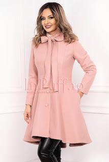 Palton roz pudra asimetric din stofa