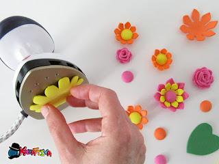 come modellare fiori in fommy
