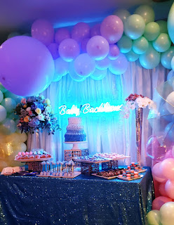 Cake table decoration, backdrop, neon sign, organic balloons