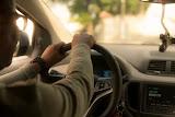 सावधान : कार में बेठते ही कभी न करें ये काम