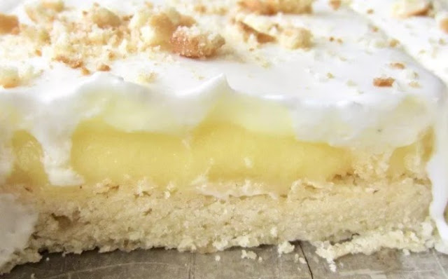 Banana Cream Pie Bars #summer #desserts