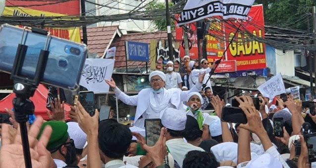 Habib Rizieq Drop Setiba di Petamburan
