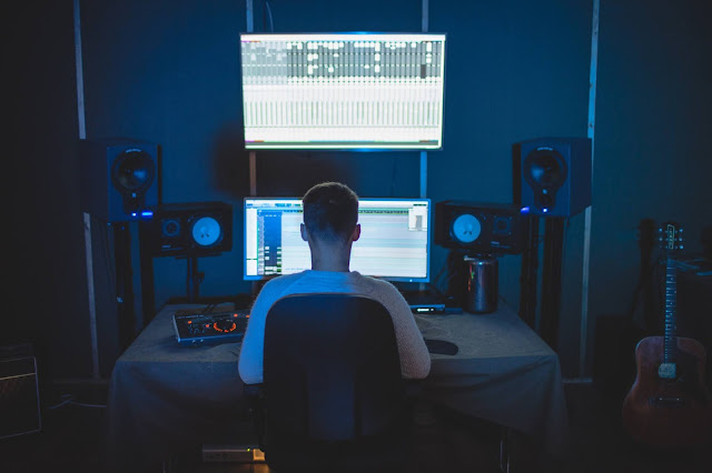 Ways To Make Money From Home As A Musician