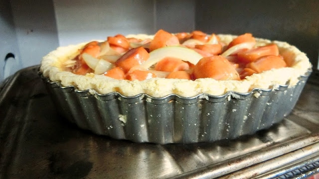 オーブントースターで15分焼き、卵液が固まりはじめるまで焼きます。