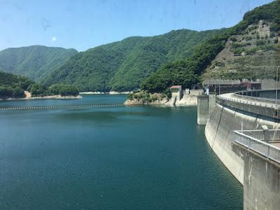 川治ダム資料館から見るダム湖