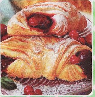 pirozhki-sloenye-s-fruktovoj-nachinkoj