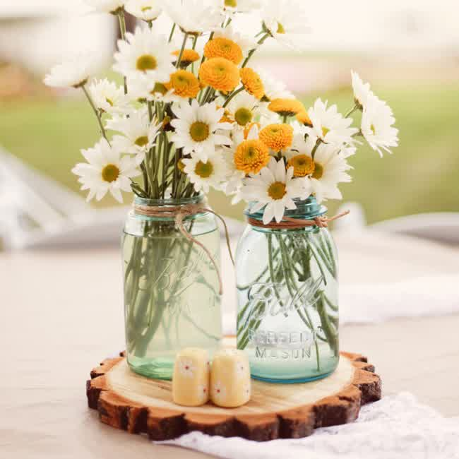 Wowing Guest ; French Country Wedding Centerpieces