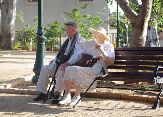pensiun bisnis