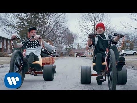 Stressed Out - Twenty One Pilots Lyrics | LyricsDub