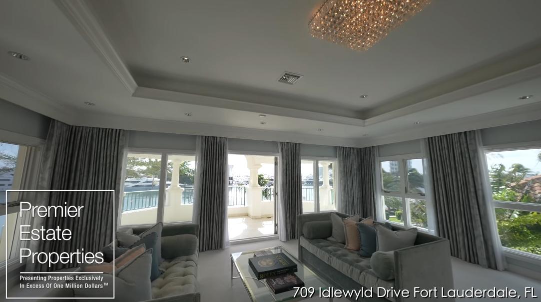 60 Interior Design Photos vs. 709 Idlewyld Dr Fort Lauderdale FL Tour