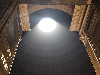 Pantheon Rome light shaft