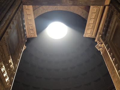 Pantheon Rome light shaft