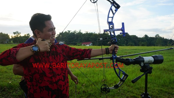 Ketua Harian KONI Bartim Kunjungi Latihan Cabor Panahan