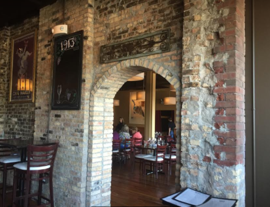Warm atmosphere of 1913 Restaurant and Wine Bar in Roselle, Illinois