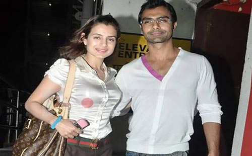 Ameesha Ashmit Patel Bollywood brothers sisters