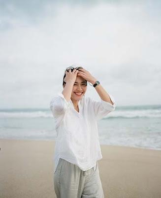 Marsha Risdasari di Pantai