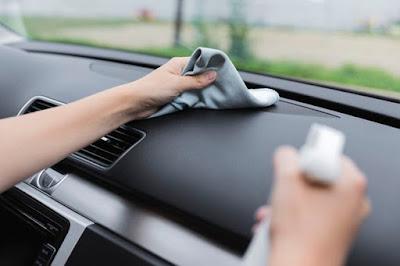 5 Cara Membersihkan Kabin Mobil Secara Mandiri