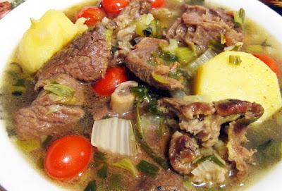 sop daging enak