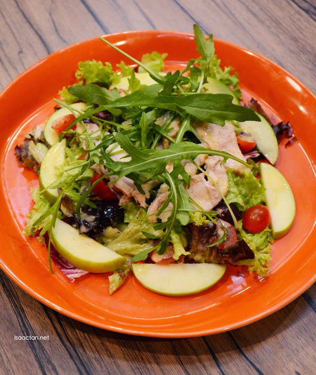 Apple, Chicken and Rocket Salad - (RM7.80 Small RM13.80 Regular)
