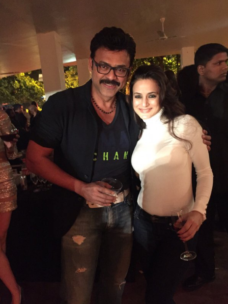 Amisha Patel Hot & Sexy Instagram Photos