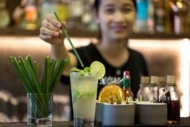 Vietnamese Company Makes Biodegradable Straws From Wild Grass to Solve World's Plastic Problem