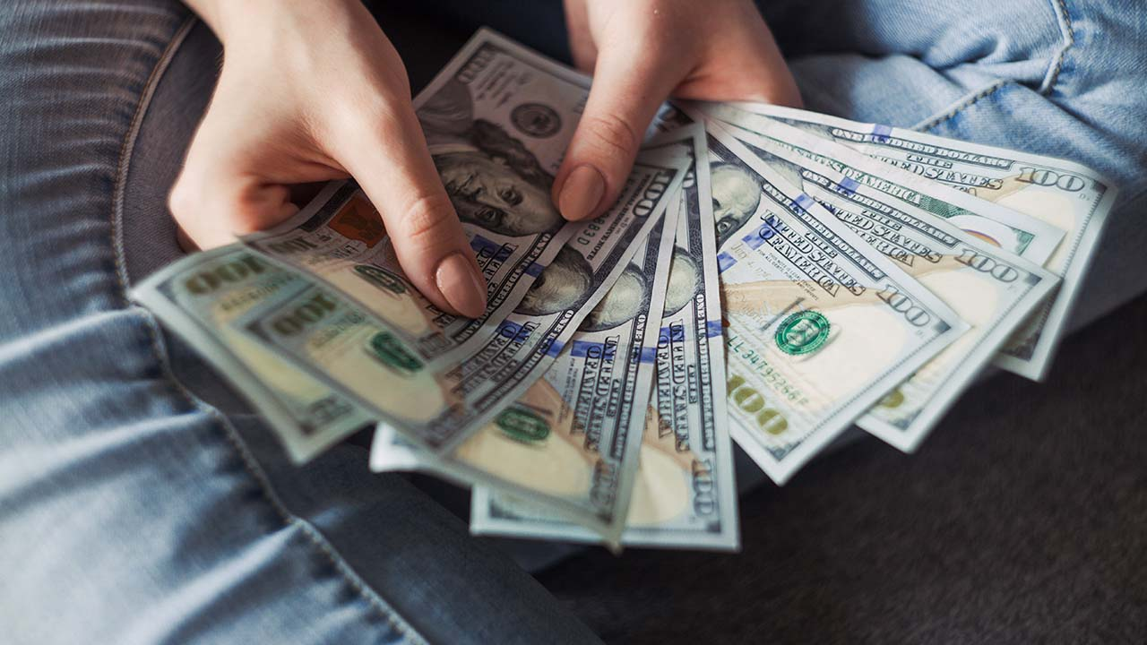 Cara Transfer Uang ke Rekening Orang