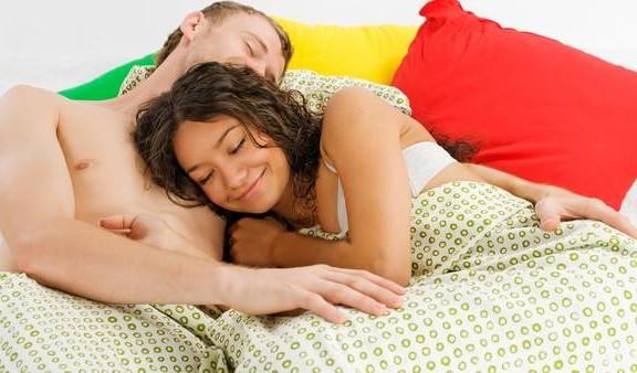 Dormir suficiente ayuda a quemar grasa abdominal