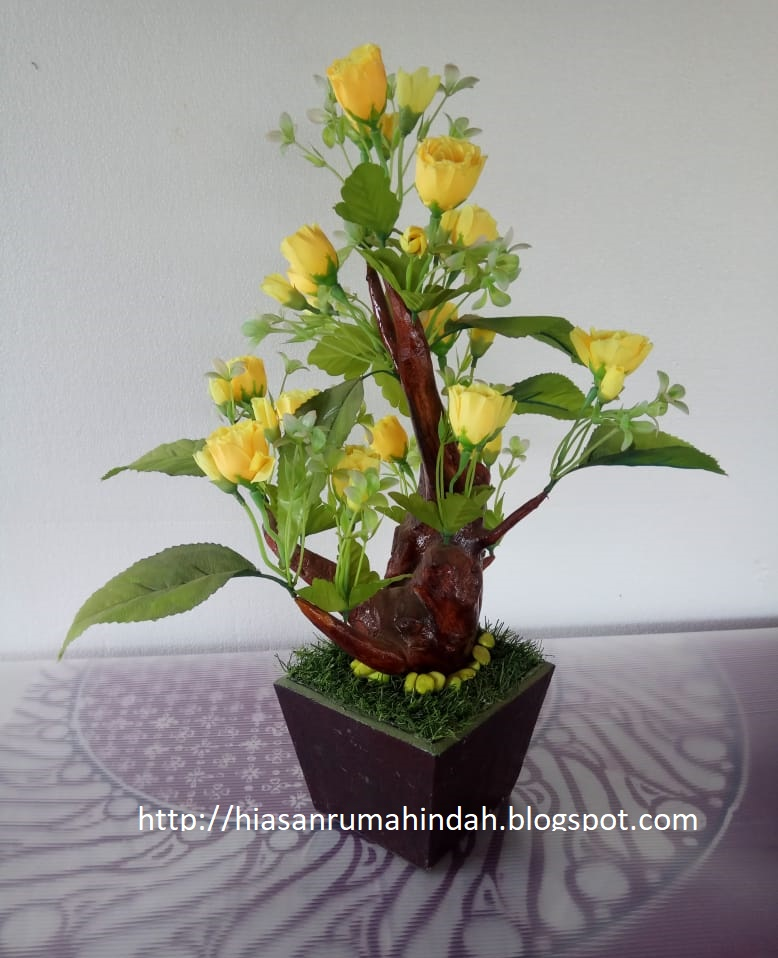 Bunga Plastik Hiasan Ruang Tamu