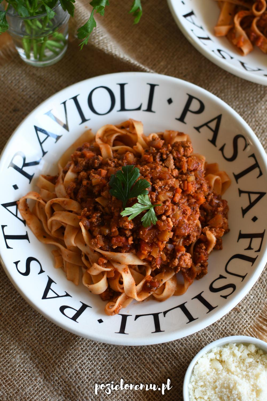Ulubione wegańskie ragù bolognese + przepis na pieczone mielone tofu